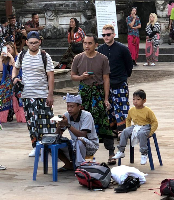 Du khách bật ngửa vì ảnh Cổng trời ở Indonesia bị làm giả - Ảnh 2.