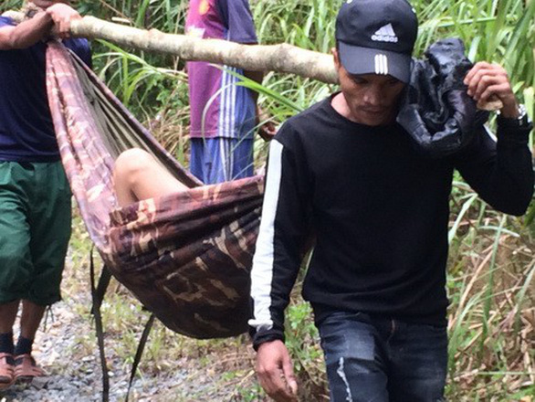 3 người chết nghi uống rượu ngâm hạt cây chân chó  - Ảnh 1.