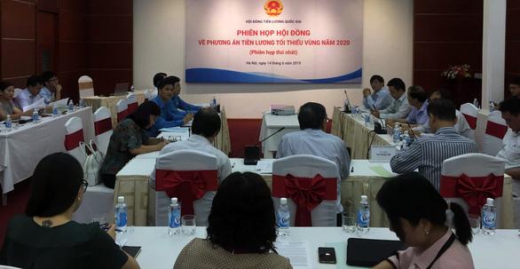 3 đề xuất tăng lương tối thiểu của Tổng Liên đoàn lao động Việt Nam - Ảnh 2.