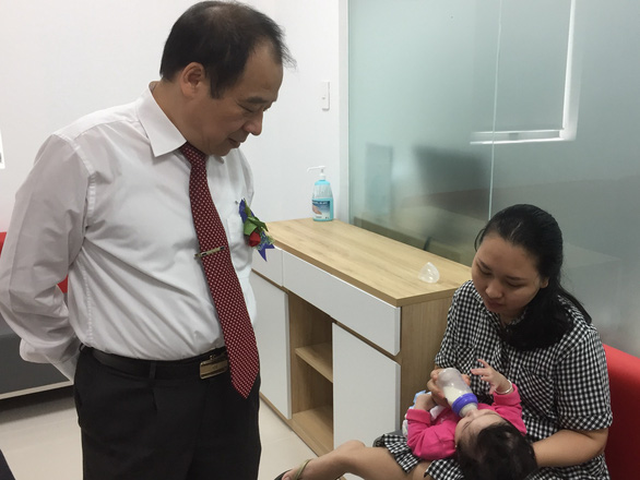 Cứu sống hai bé bị phản ứng nặng sau tiêm chủng - Ảnh 1.