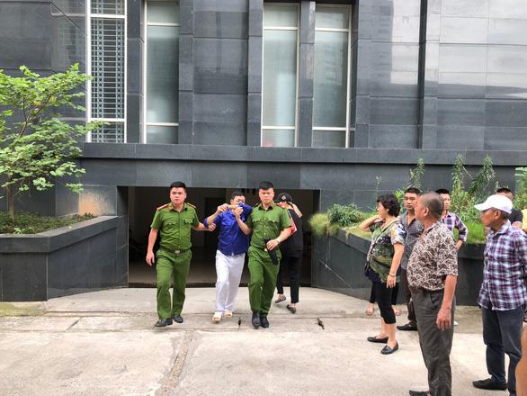 Hoãn phiên tòa xử Hưng kính vụ bảo kê chợ Long Biên vì vắng luật sư - Ảnh 3.