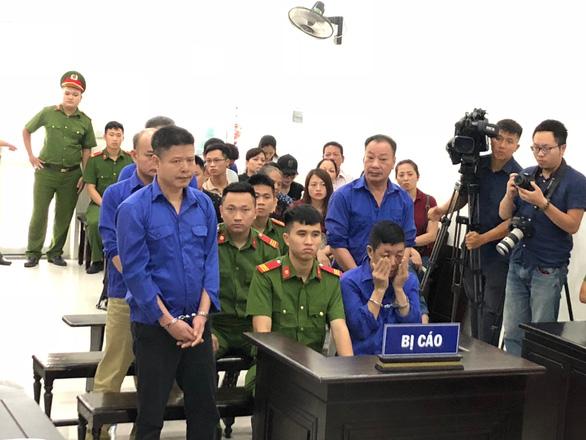 Hoãn phiên tòa xử Hưng kính vụ bảo kê chợ Long Biên vì vắng luật sư - Ảnh 1.