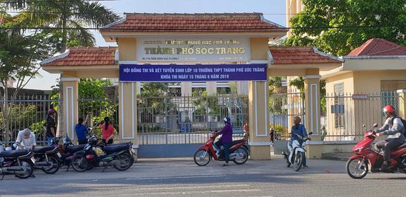 Lãnh phụ cấp trái qui định, hiệu trưởng Trường THPT TP Sóc Trăng bị buộc trả lại - Ảnh 1.