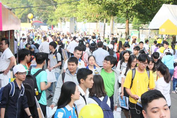 890 thí sinh đầu tiên trúng tuyển vào ĐH Bách khoa TP.HCM năm 2019 - Ảnh 1.