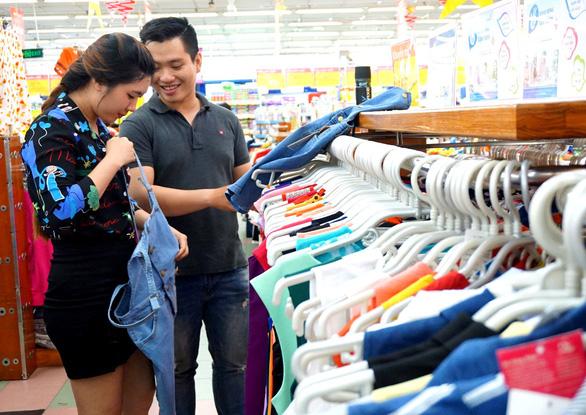 Vẫn luôn rộng cửa cho hàng Việt vào siêu thị - Ảnh 2.