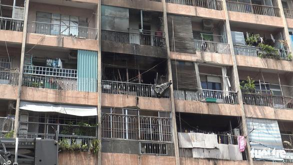 Cháy ở ký túc xá trường Cao Thắng, giải cứu 28 người - Ảnh 3.