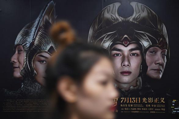 Phim Trung Quốc bất ngờ hụt hơi, thua phim Mỹ cả trên sân nhà - Ảnh 2.