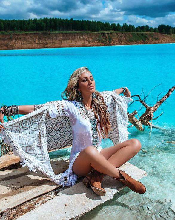Nổi da gà khi dân Nga đổ đến hồ nước xanh y chang Tuyệt tình cốc Đà Lạt - Ảnh 3.