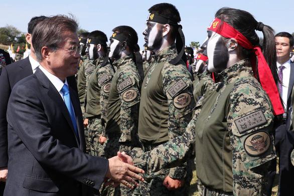 Mỹ yêu cầu Nhật, Hàn đưa quân tới eo biển Hormuz - Ảnh 1.