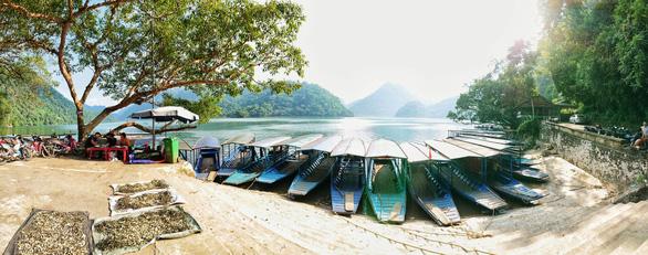 Hồ Ba Bể thuở bình yên và tương lai ầm ĩ - Ảnh 1.