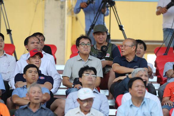 Nam Định và Quảng Nam thắng thuyết phục ở vòng 15 V-League 2019 - Ảnh 2.