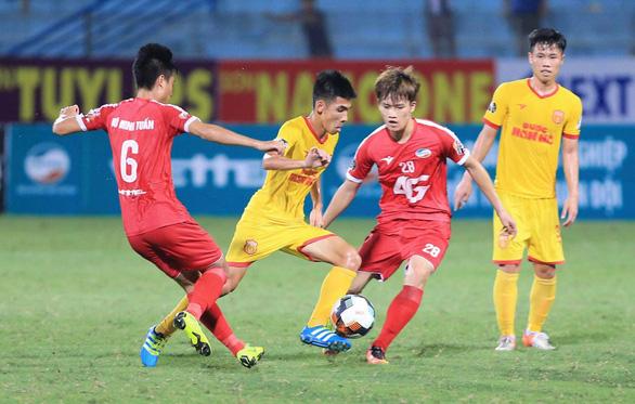 Nam Định và Quảng Nam thắng thuyết phục ở vòng 15 V-League 2019 - Ảnh 4.