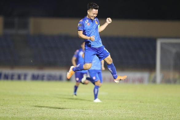 Nam Định và Quảng Nam thắng thuyết phục ở vòng 15 V-League 2019 - Ảnh 1.