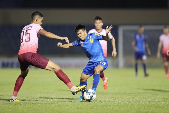 Nam Định và Quảng Nam thắng thuyết phục ở vòng 15 V-League 2019 - Ảnh 3.