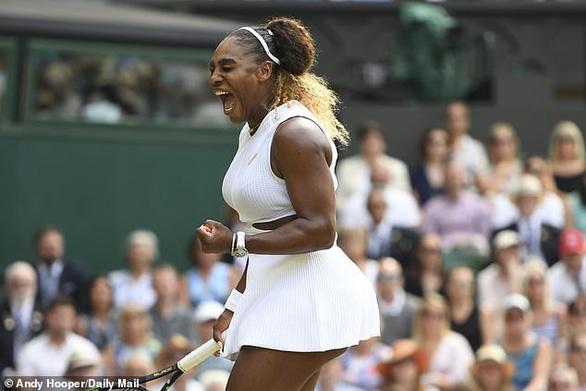 Chỉ cần 59 phút, Serena Williams hạ đo ván Strycova để đi vào lịch sử Grand Slam - Ảnh 1.