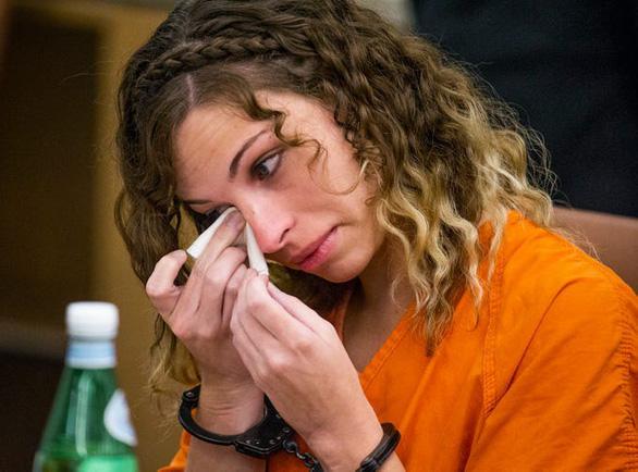 Cô giáo bị phạt 20 năm tù vì quan hệ tình dục với học sinh 13 tuổi - Ảnh 1.