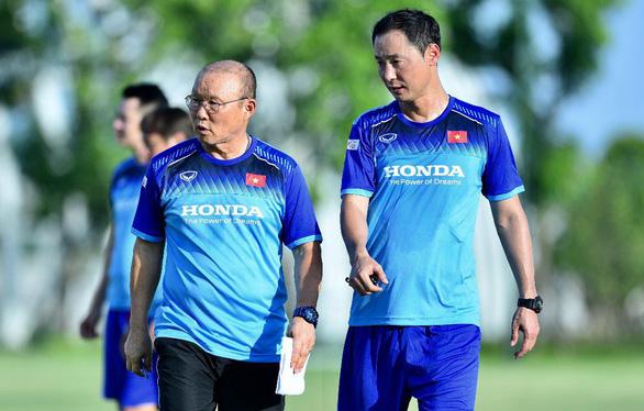 VFF đề nghị tiếp tục đàm phán với HLV Park Hang Seo - Ảnh 1.