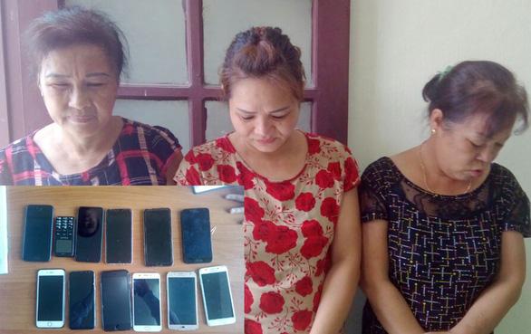 Bắt 3 nữ quái trộm cắp chuyên nghiệp đến Sầm Sơn hành nghề - Ảnh 1.