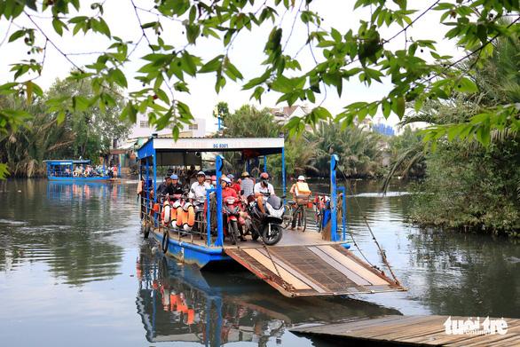 Sài Gòn sông nước và những chuyến phà lênh đênh bao chuyện đời - Ảnh 1.