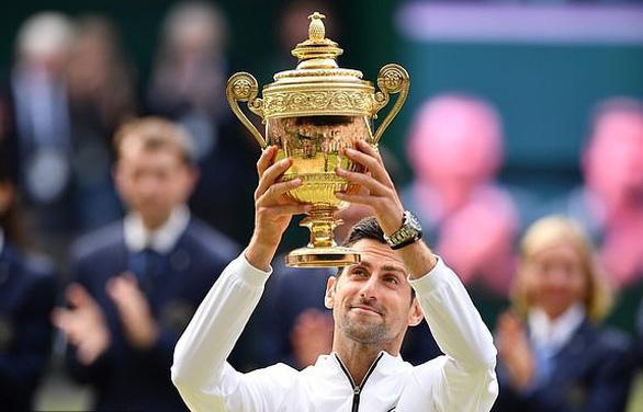 Djokovic đánh bại Federer trong trận chung kết Wimbledon dài nhất lịch sử - Ảnh 2.