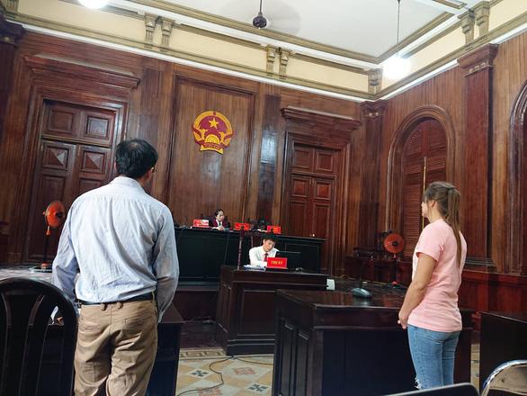 Đến TP.HCM môi giới bán dâm, một phụ nữ Nga lĩnh án 3 năm tù - Ảnh 3.