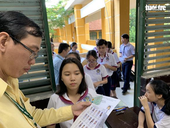 Các trường đại học bắt đầu công bố điểm sàn, điểm chuẩn dự báo - Ảnh 1.