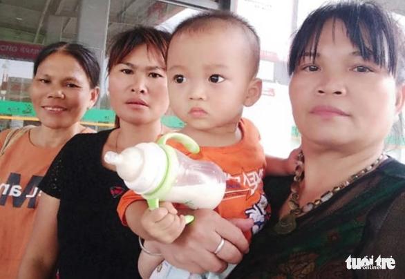 Tìm thấy con sau 24 năm bị bán sang Trung Quốc nhờ mạng xã hội - Ảnh 1.