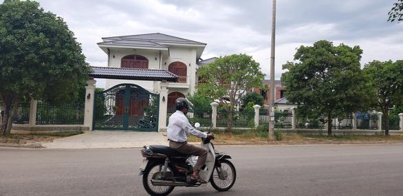 Quảng Nam không bị áp lực khi thanh tra 2 lô đất của vợ cựu bí thư Tỉnh ủy - Ảnh 1.