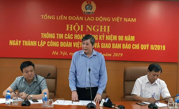 10 cán bộ công đoàn được tặng giải thưởng Nguyễn Văn Linh - Ảnh 1.