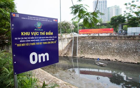 Xả nước vào sông Tô Lịch để giảm ngập cho Hà Nội - Ảnh 1.
