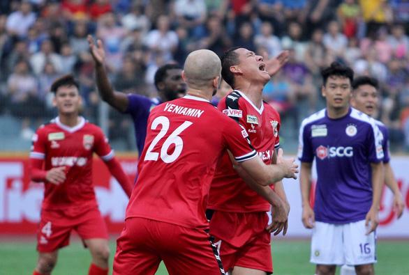 AFC phạt Liên đoàn Bóng đá Việt Nam 3.000 USD vì xin phép đấu tập muộn - Ảnh 1.