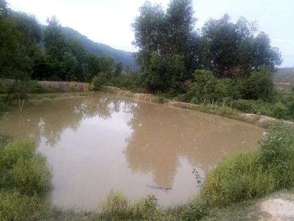 Bốn chị em chết đuối thương tâm trong hồ nuôi cá - Ảnh 2.