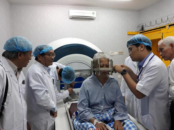 Khai trương Trung tâm xạ phẫu bằng dao Gamma quay đầu tiên tại ĐBSCL - Ảnh 2.