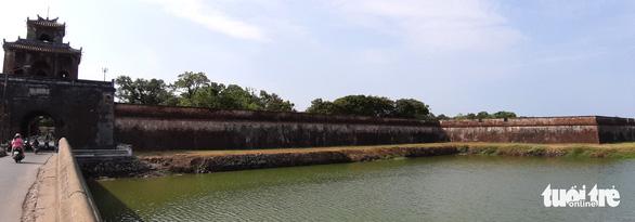 Chính phủ yêu cầu đánh giá lại toàn tuyến kè hộ thành hào kinh thành Huế - Ảnh 2.