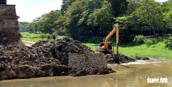 Chính phủ yêu cầu đánh giá lại toàn tuyến kè hộ thành hào kinh thành Huế - Ảnh 3.