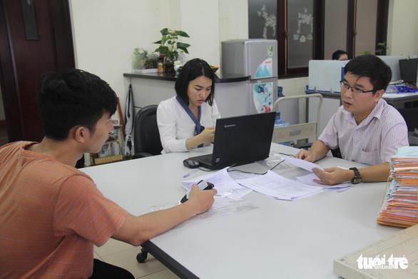Điểm chuẩn đánh giá năng lực ĐH Kinh tế - luật, ĐH Bách khoa TP.HCM tăng mạnh - Ảnh 1.