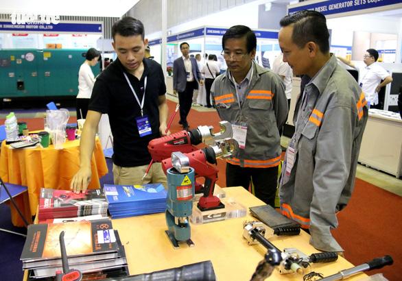 Hàng Hàn Quốc, Trung Quốc áp đảo tại triển lãm thiết bị điện - Ảnh 4.