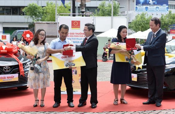 Trao thưởng chương trình Mua ống nhựa Hoa Sen - Trúng ô tô Camry - Ảnh 1.