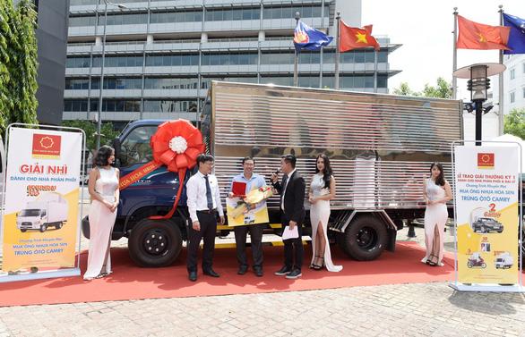 Trao thưởng chương trình Mua ống nhựa Hoa Sen - Trúng ô tô Camry - Ảnh 2.