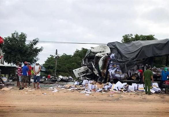 Xe giường nằm Cúc Tư đối đầu xe tải trên quốc lộ 1: 2 tài xế tử nạn - Ảnh 2.