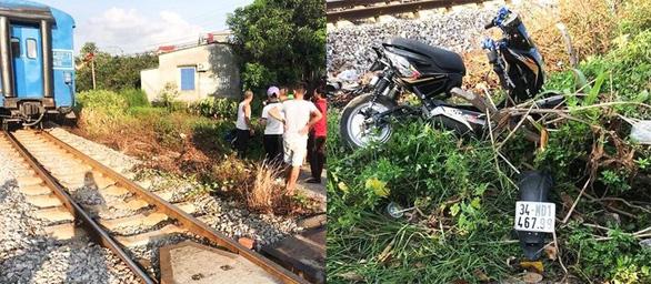 Cố băng qua đường sắt, hai nữ sinh bị tông chết - Ảnh 1.