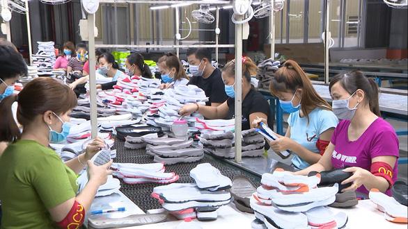 Chứng nhận xuất xứ hàng hóa: Đề phòng khẩn với ngành da giày - Ảnh 1.
