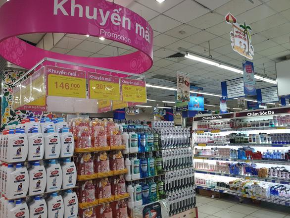Thói quen vào siêu thị mua hàng hóa mỹ phẩm - Ảnh 2.