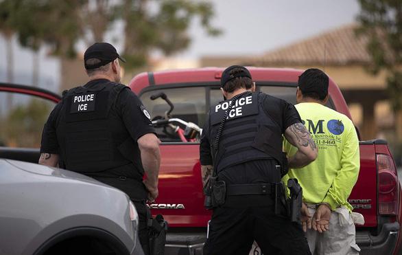 Không dễ bắt người nhập cư lậu ở Mỹ - Ảnh 1.