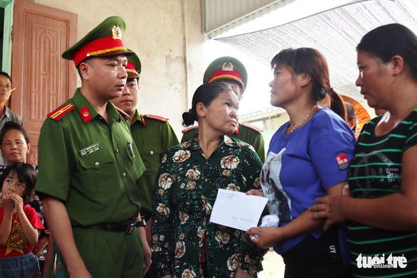 Nước mắt trùng phùng của người phụ nữ bị bán sang Trung Quốc 24 năm - Ảnh 7.