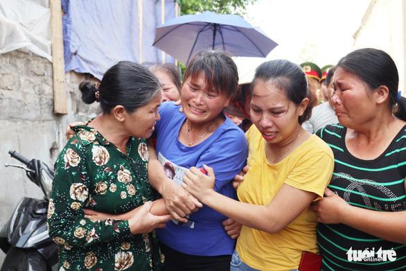 Nước mắt trùng phùng của người phụ nữ bị bán sang Trung Quốc 24 năm - Ảnh 1.