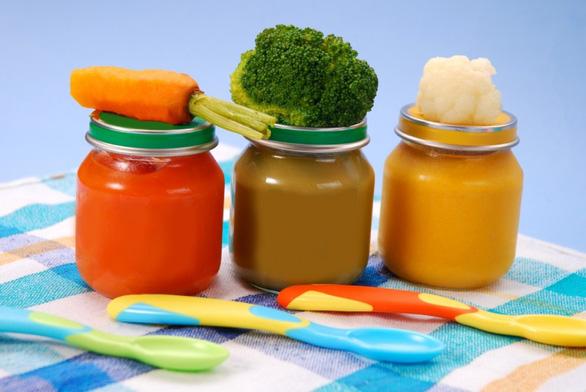 WHO khuyến cáo thực phẩm ăn sẵn cho trẻ em chứa quá nhiều đường - Ảnh 1.