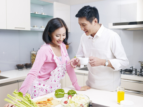 Vợ doanh nhân chia sẻ kinh nghiệm khéo chăm chồng tuổi 40 - Ảnh 1.