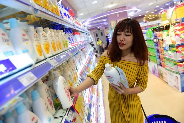 Thói quen vào siêu thị mua hàng hóa mỹ phẩm - Ảnh 1.
