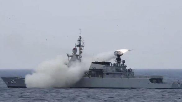 Malaysia phóng tên lửa chống tàu trên Biển Đông, thông điệp gửi Trung Quốc? - Ảnh 1.
